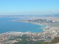 image Amenagement_Marseille_VR.jpg (0.2MB) Lien vers: GalerieUrbanisation